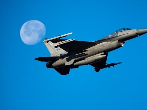 An AI algorithm will square off against a human F-16 fighter pilot on Aug. 20. (Senior Airman Jacob Wongwai/U.S. Air Force)