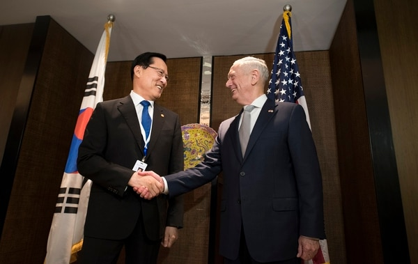 Secretary of Defense James N. Mattis meets with Republic of Korea Minister of National Defense Song Young-moo at the Shangri-La Dialogue in Shangri-La, Singapore, June 2, 2018. (Tech Sgt. Vernon Young Jr./Department of Defense)