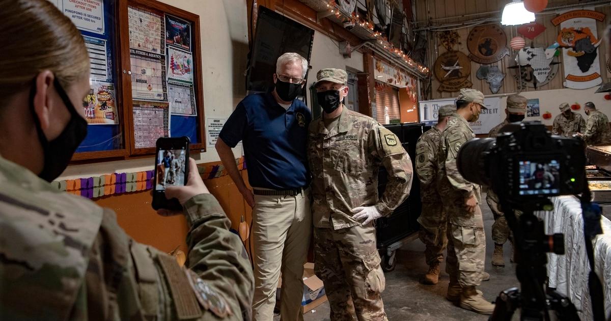 Acting US defense secretary visits troops in rare visit to Somalia