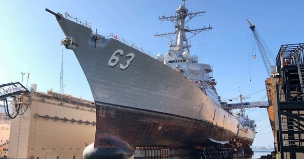 The destroyers Decatur and Stethem docked in the Pride of California dry dock last year. (Mike Sylva/Navy)