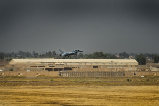 An Iraqi F-16 Fighting Falcon fighter aircraft takes off June 17, 2019, at Balad Air Base, Iraq. (Staff Sgt. Luke Kitterman/Air Force)