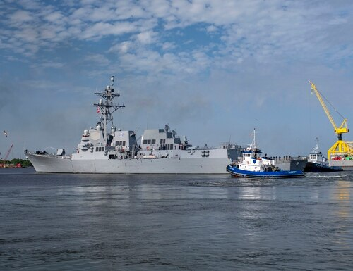 The destroyer Delbert D. Black, DDG 119, sails away from Ingalls Shipbuilding in Mississippi to the ship's homeport in Mayport, Florida, Friday. (Lance Davis/Huntington Ingalls Industries)
