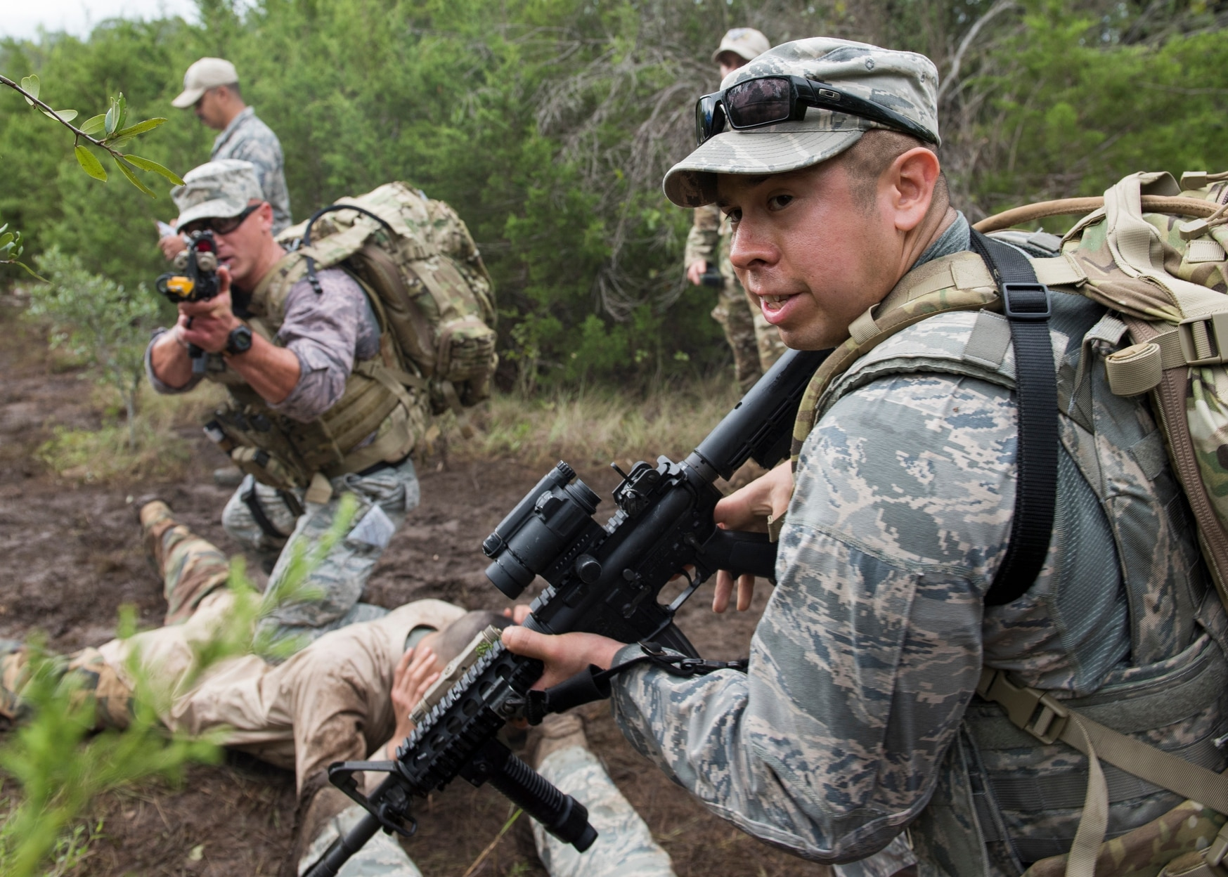 Tech. Sgt. Felipe Fernandez, a security forces craftsman assigned to the 147th Attack Wing, Texas Air National Guard, secures a potential threat during the dismounted operations portion of a Defender's Challenge competition at Camp Bullis in San Antonio Sept. 12, 2018. (Master Sgt. Joshua Allmaras/Air Guard)