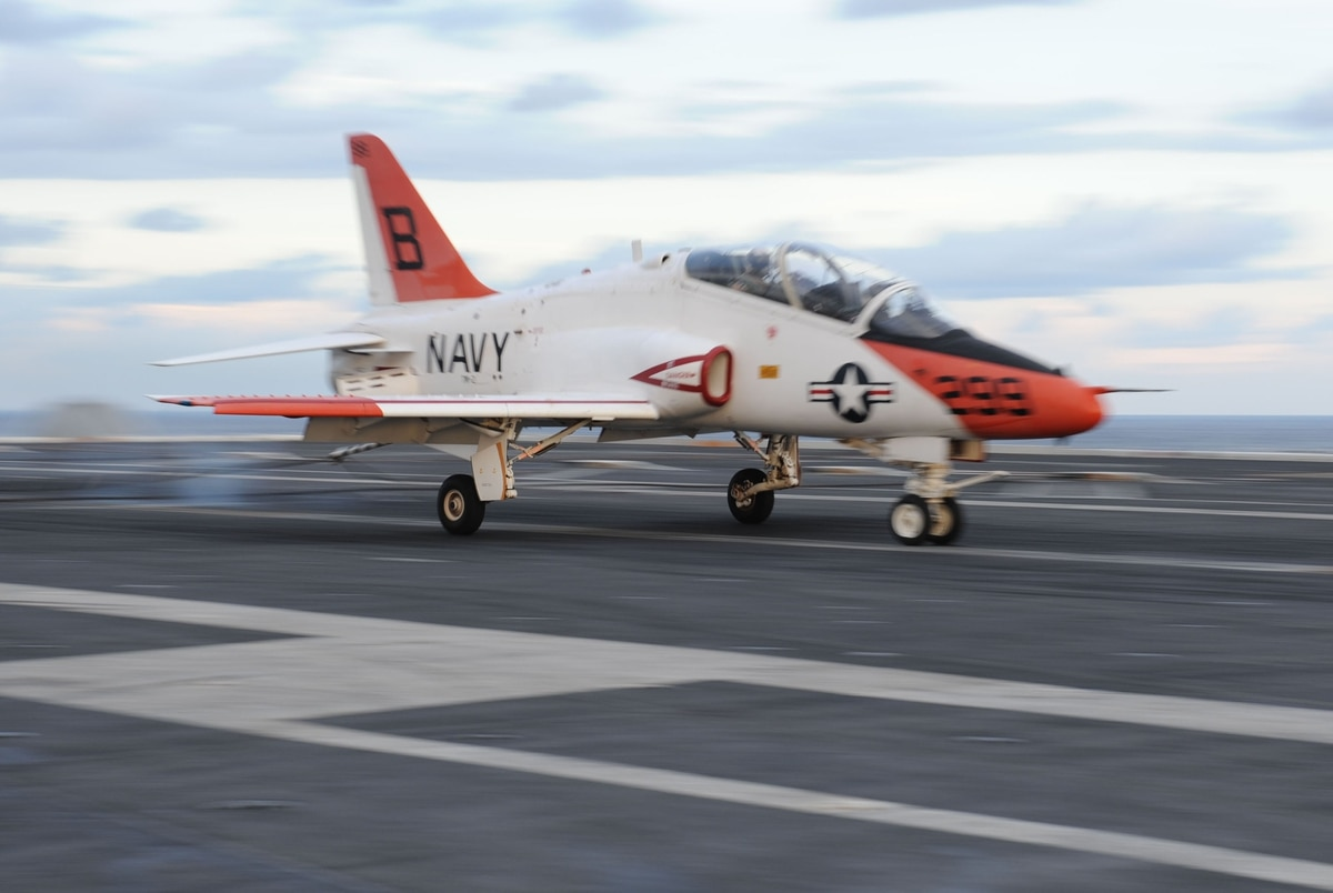 Navy says pilot error caused last year's training jet crash