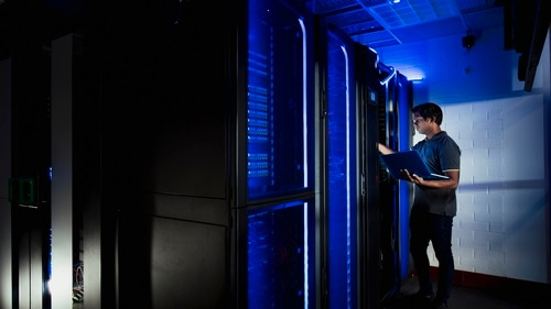 Verizon won a $495 million contract to deliver the Defense Department research network. (Getty Images)
