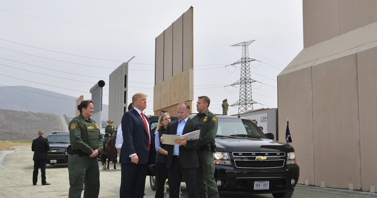 Trump says military troops will guard US-Mexico border dcfa02fd75