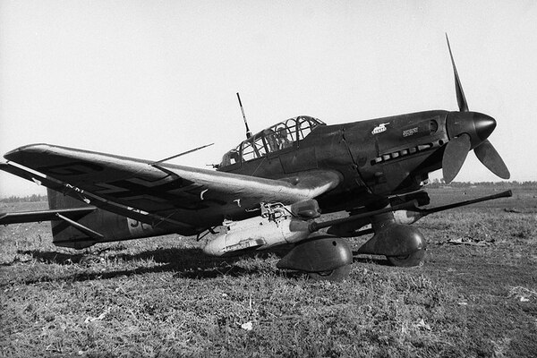 Armed with powerful 37mm Panzerknacker anti-tank cannons, the Ju-87G traded the role of dive bomber for that of a potent tank killer. (National Archives)