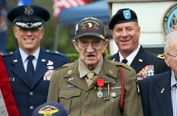 WWII 'Screaming Eagle' veteran Henry Ochsner dies at 96