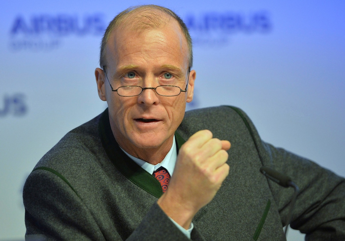 Airbus chief executive steps down as under-fire company revamps management