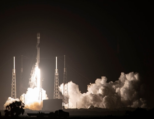 A Falcon 9 rocket carrying GPS III SV04 lifts off from Cape Canaveral Air Force Station, Fla., on Nov 5, 2020. (Courtesy of SpaceX)