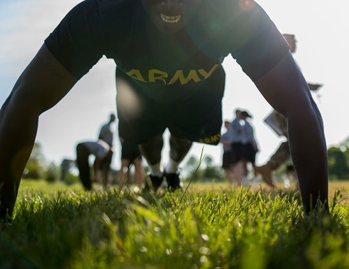 A soldier completes a set of pushups during an Army physical fitness test at Fort Meade, Md., May 14, 2016. (Army)
