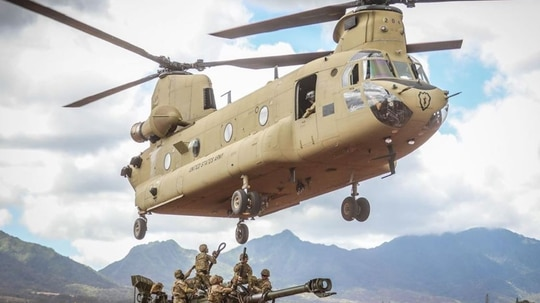 The 25th Infantry Division shows off its ability to project combat power forward in support of maneuver operations with an air assault demonstration during the Indian Army vice chief of staff visit at Schofield Barracks, Hawaii, Oct. 20, 2020. (Spc. Jessica Scott/Army)