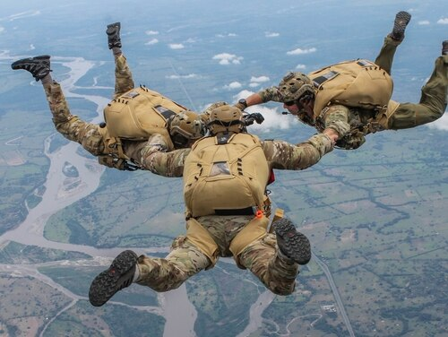U.S. Air Force pararescuemen jump out of a Colombian Casa C-295 aircraft during a multinational jump with Colombian, Peruvian and Dominican special operations forces during exercise Angel de los Andes on Sept. 4, 2018. (U.S. Defense Department)