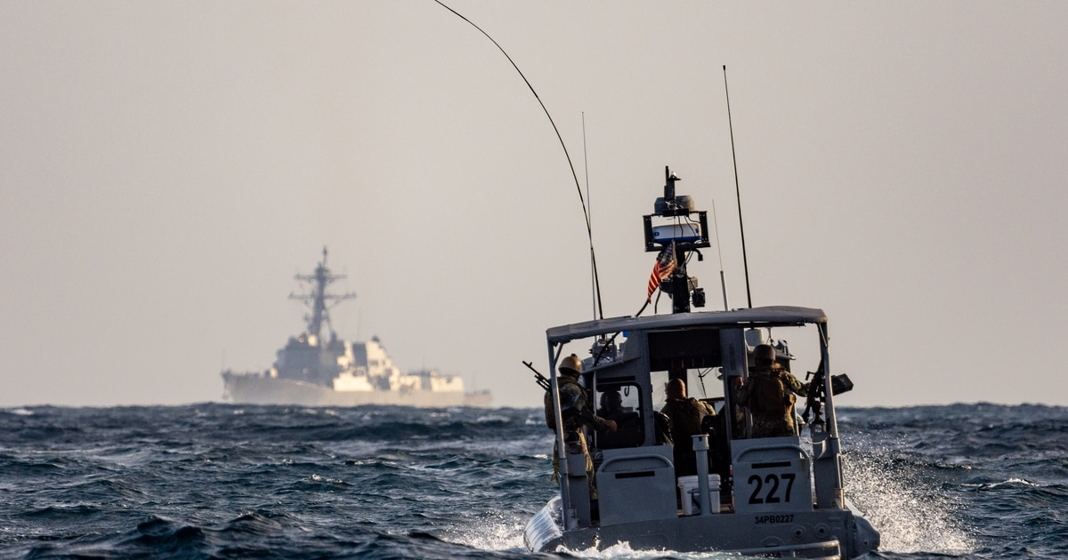 Officials: Warship seizes Iranian missile components