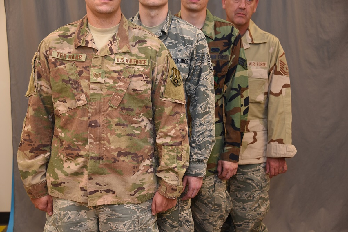 5ebc88a47 This photo of the Air Force uniform announcement is a bundle of confusion