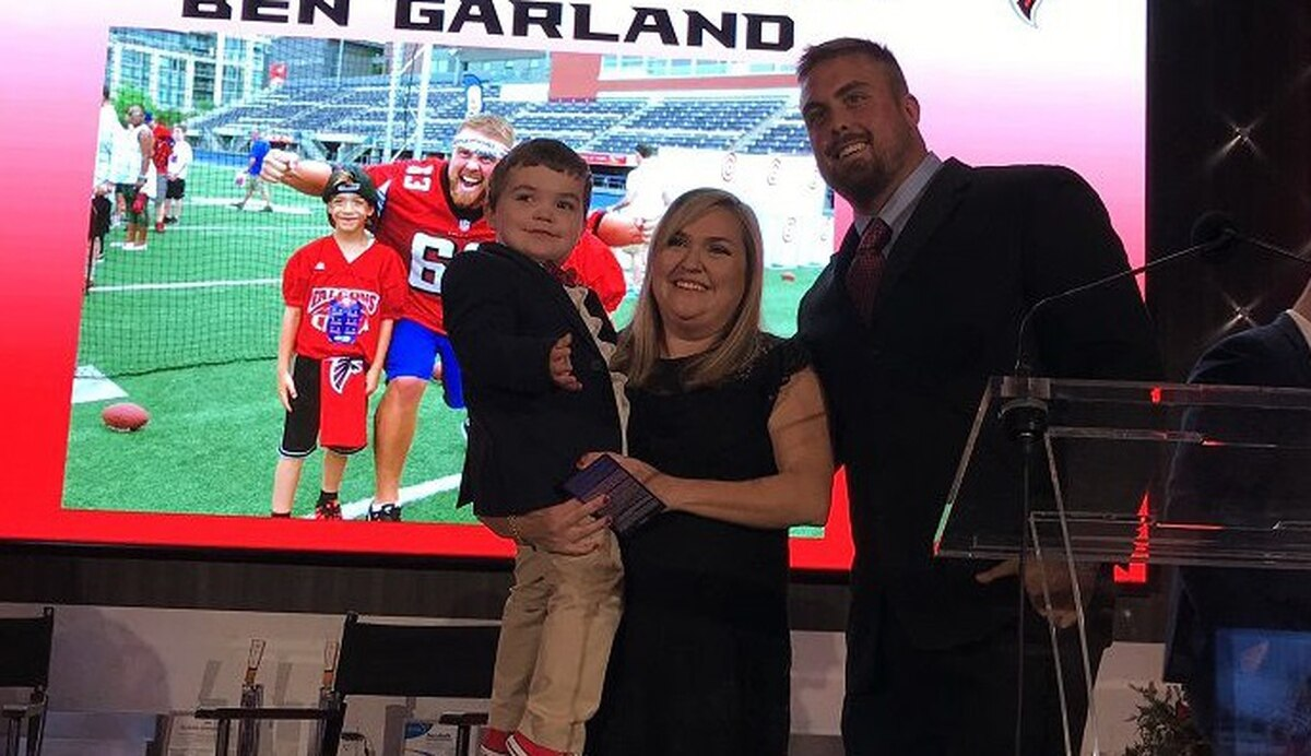 Super Bowl surprise for fallen airman s family thanks to Falcons  Garland 54565a3fc
