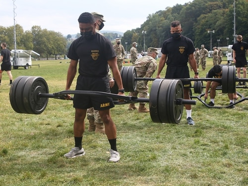 Army cadets perform the three-repetition deadlift, the first of the six events of the Army Combat Fitness Test. (Eric Bartelt/Army)