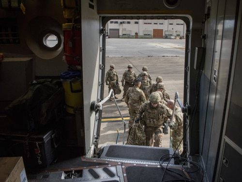 Soldiers from the 89th Military Police Brigade board a C-17 Globemaster III from the 3rd Airlift Squadron at Fort Knox, Ky., in support of Operation Faithful Patriot on Oct. 30, 2018. (Airman 1st Class Zoe M. Wockenfuss/Air Force)