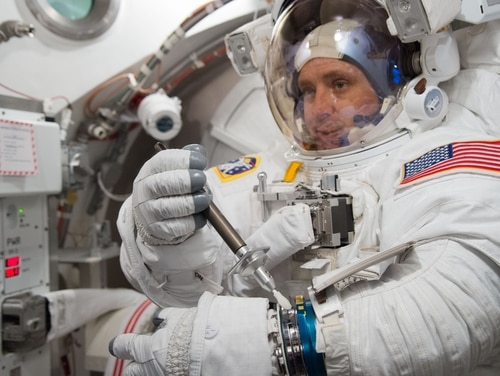 Date: 11-28-16 Location: Bldg 7, SSATA Subject: Expedition 52/53 crew member Jack Fischer during EMU Certification and training in SSATA Chamber. Photographer: James Blair