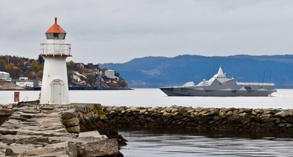 A Royal Swedish Navy corvette arrives in Trondheim, Norway, Oct. 21 prior to participation in Trident Juncture. (NATO)