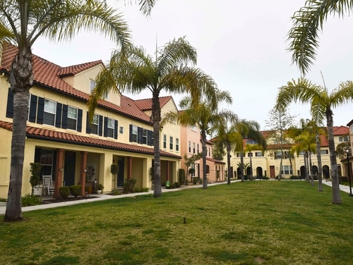 Lincoln military housing at Gateway Village, Point Loma, Calif.(Mass Communication Specialist 3rd Class Justin A. Schoenberger/Navy)