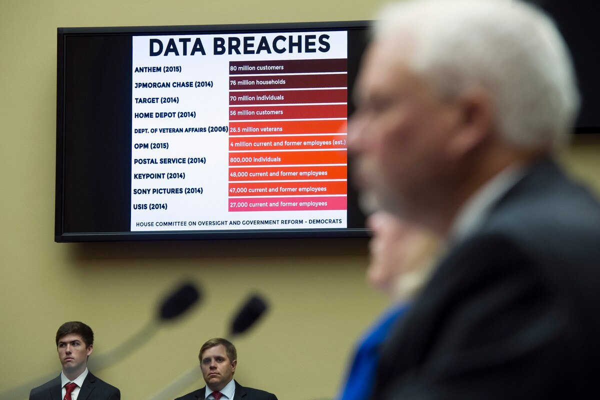 Military clearance OPM data breach 'absolute calamity'