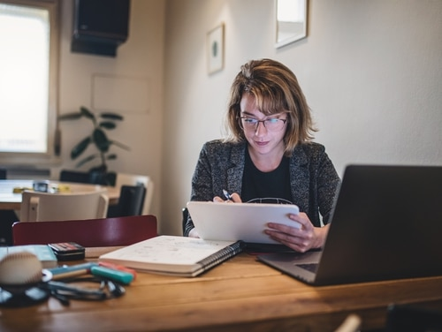 Senators introduced legislation that would direct federal employees to maximize telework. (FluxFactory)