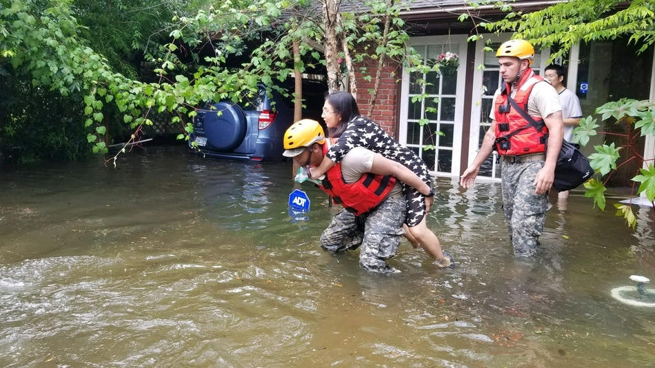 Harvey's Devastation and how Texan's Are banding Together ...