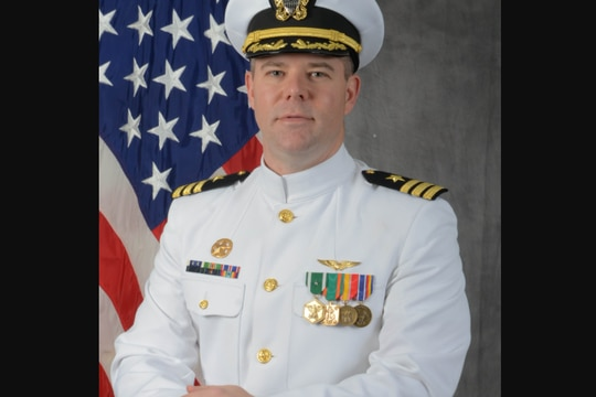 Navy Capt. Scott Moss was relieved of his duties as commanding officer of the Navy Operational Support Center in Knoxville, Tennessee, on Jan. 20, 2021. (Facebook)