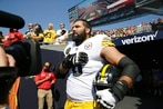 Former Ranger Villanueva stands for anthem, Steeler teammates remain in locker room
