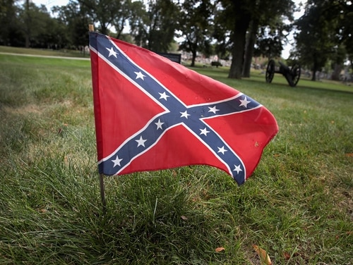 A Confederate Navy jack flag sits at the base of Confederate Mound, a memorial to more than 4,000 Confederate prisoners of war who died in captivity, in Chicago. (Scott Olson/Getty Images)