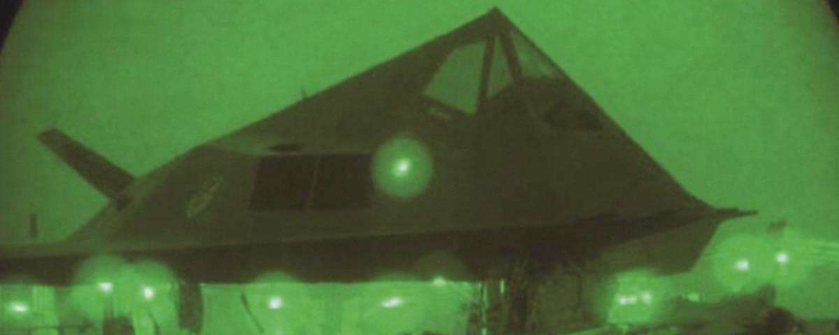F 117 Nighthawk At Night The F-117 Nighthawk'...