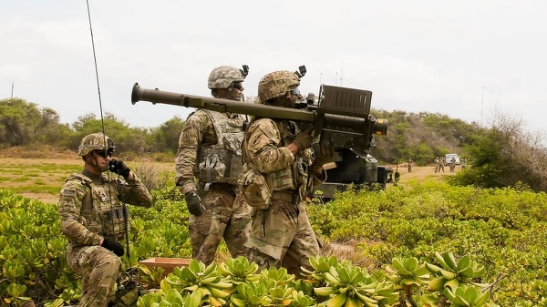 Soldiers with the 35th Air Defense Artillery Brigade prepare to fire a Stinger missile using Man-Portable Air Defense Systems during RIMPAC 2018 in Hawaii. (Sgt. 1st Class Claudio Tejada/Army)