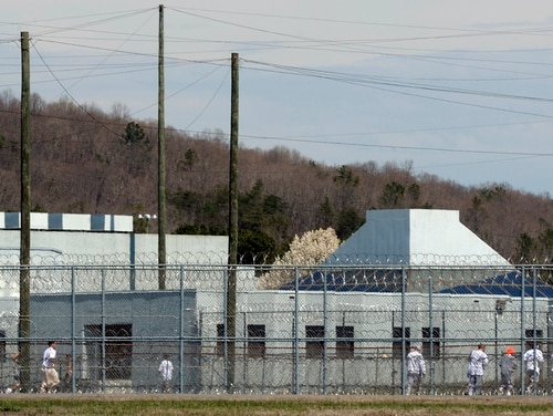 The largest federal employee union alleges that the Bureau of Prisons hasn't provided proper protection for its employees amid the coronavirus pandemic (Sara D. Davis/Getty Images)