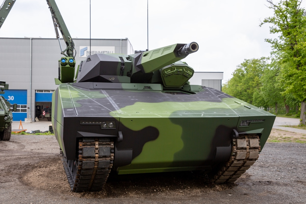 Lynx 41 disqualified from Bradley replacement competition