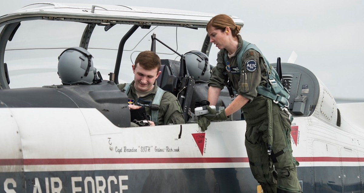 New Air Force Uniform 2020.Air Force Budget Calls For 510k Airmen 1 480 New Pilots In 2020