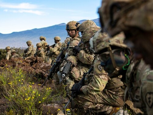 Soldiers from 2nd Brigade, 25th Infantry Division, train Nov. 19, 2019, at Pohakuloa on the island of Hawaii. (Sgt. Thomas Calvert/Army)