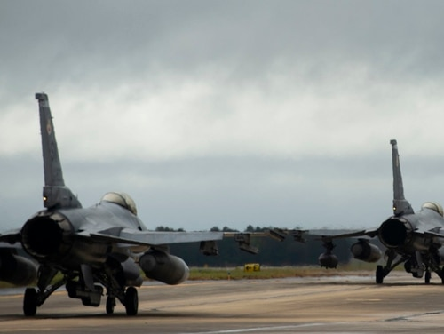 An Air Force F-16CM Fighting Falcon, like the ones seen here at Shaw Air Force Base, S.C., has crashed, killing the pilot. (U.S. Air Force photo by Senior Airman Christopher Maldonado)