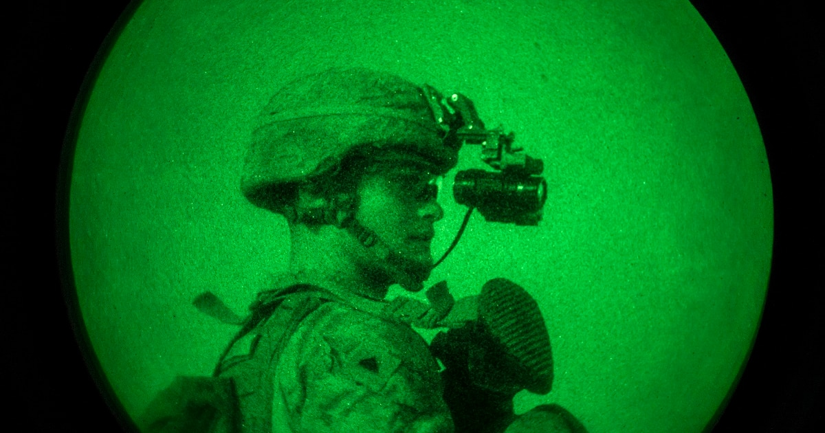 b51a9e5df11 Marines want a binocular night vision device for troops now