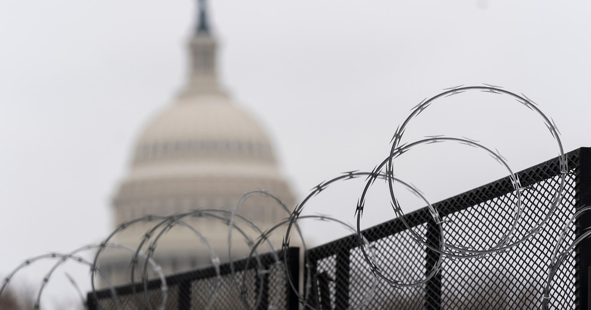 Police suggest keeping Capitol fence for months, source says