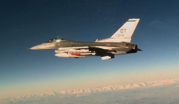 An Air Force F-16C carries an inert B61 on March 14, 2017. (Staff Sgt. Brandi Hansen/U.S. Air Force)
