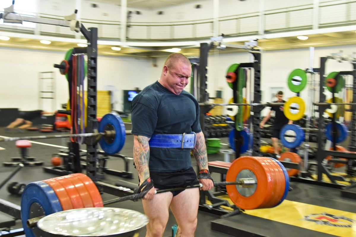66a7819118cb Deadlift 101  Expert advice on a core lift in the Army s fitness tests