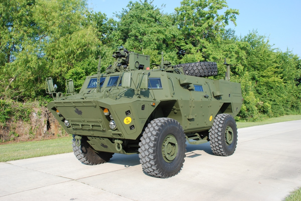 Textron Faces Last Chance on Canadian Vehicle