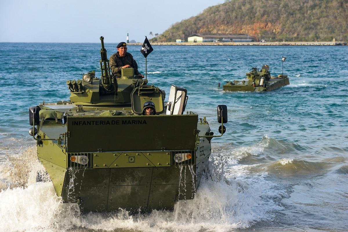 Venezuela Gears Up Military Machine Amid Economic Crunch