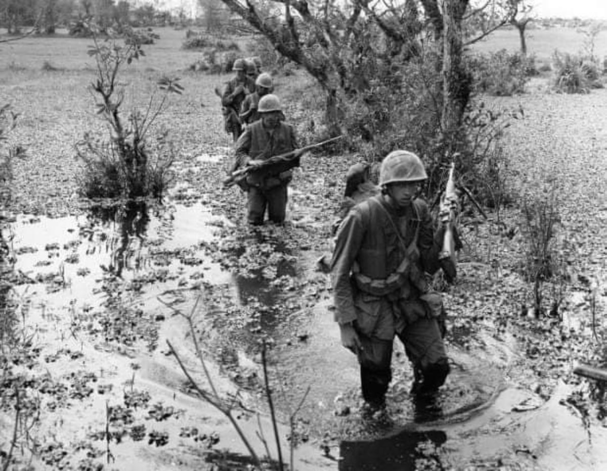 How a bloody Ka-Bar knife fight during the Vietnam War got