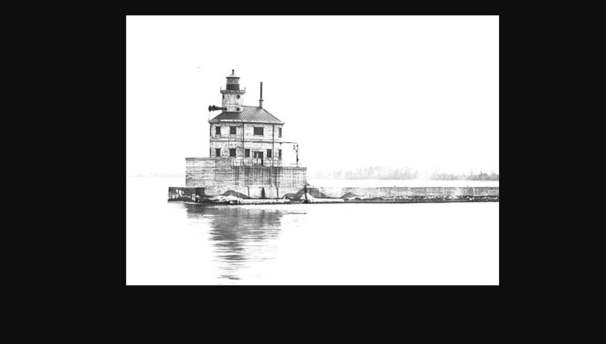 this is a lighthouse us navy