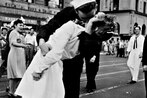The kiss heard 'round the world WWII sailor gives lip service over famous photo