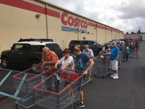 Tidewater groceries and hardware stores reported large numbers of shoppers on Monday as Hurricane Florence moved closer to the Eastern Seaboard. (Mark D. Faram/Navy Times)