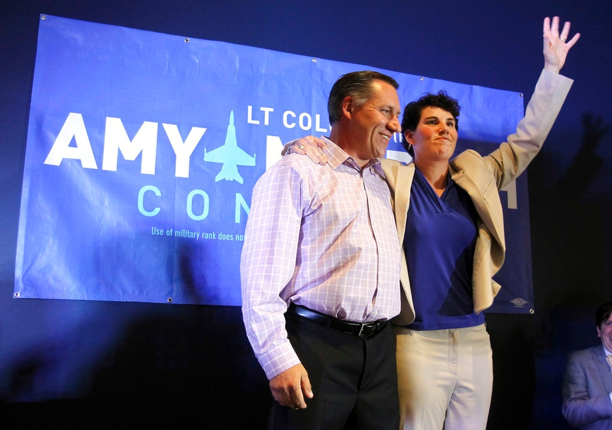 Retired Marine fighter pilot wins Democratic congressional