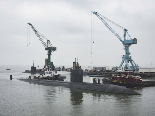 The attack submarine Boise arrives at Huntington Ingalls Industries' Newport News, Va., shipyard on June 18, 2018, to begin an extended engineering overhaul. (Ashley Cowan/Huntington Ingalls Industries)